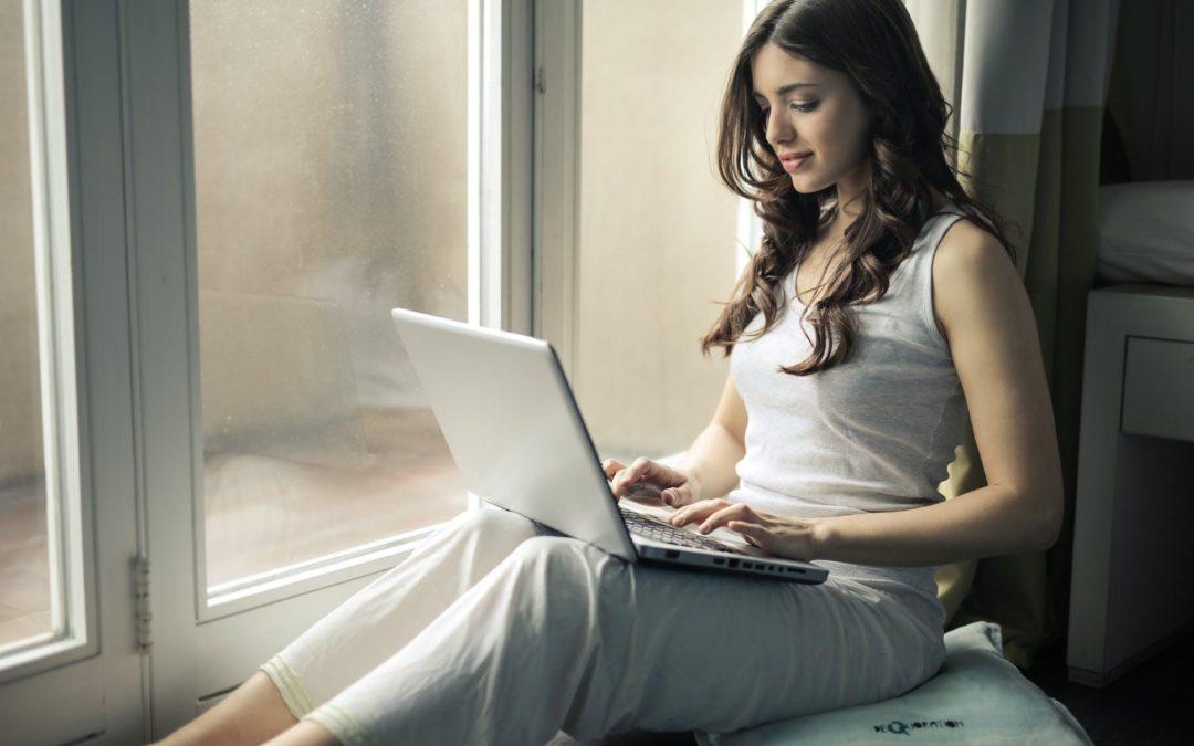 Dating for et seriøst forhold på Internett: fordeler og ulemper